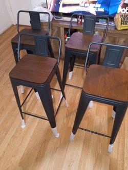 Set Of 4 Bar Stools for Sale in Fresno,  CA