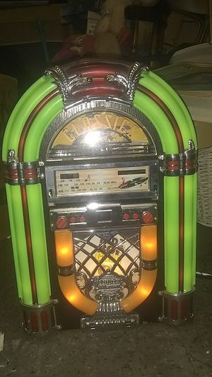Classics Jukebox cd and radio for Sale in New Hyde Park, NY