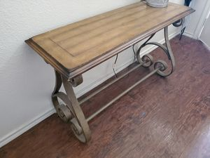 Entry table for Sale in Watauga, TX