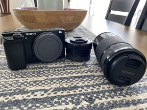 Sony a6000 Mirrorless Digital camera with two lenses for Sale in Tempe, AZ