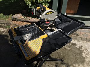 RENT my GREAT Dewalt Tile Saw w/ Stand & Automatic recirculating Water feed! for Sale in Portland, OR