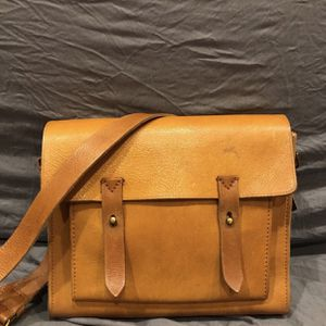 Madewell Essex leather messenger Bag for Sale in Santa Ana, CA