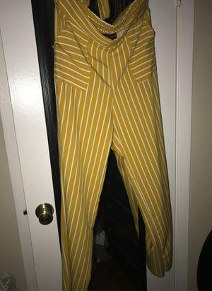 Yellow dress pants for Sale in Pasadena, TX