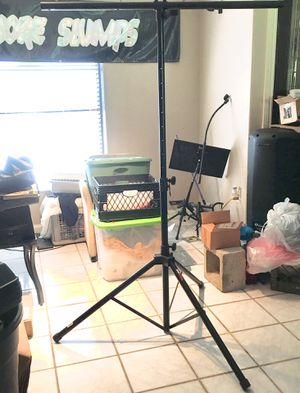 "(1) PRO LINE LIGHTING 6 FT. TRIPOD STAND. 46"" BASE for Sale in Fort Myers, FL"
