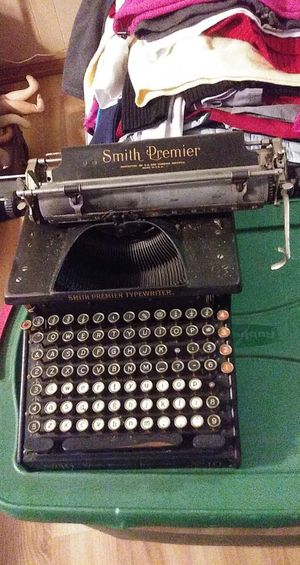 Antique typewriter for Sale in Tomahawk, WI