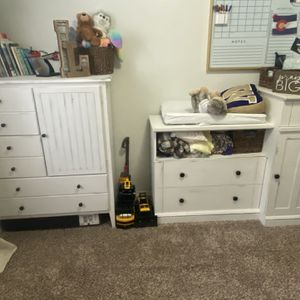 Changing Table Dresser for Sale in Bonney Lake, WA
