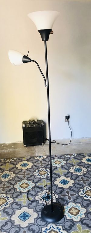 Floor lamp for Sale in Chula Vista, CA