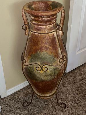 Outside Flower vase for Sale in Wesley Chapel, FL