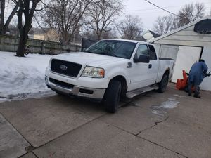 Ford F150 XLT Triton 2004 for Sale in Ames, IA