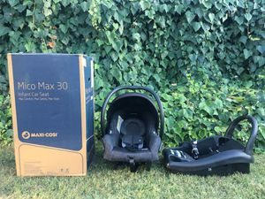 Maxi Cosi Car Seat- Mico Max 30 (Base included) for Sale in Long Beach, CA