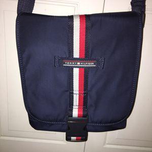 Tommy Hilfiger messenger bag for Sale in Fort Lauderdale, FL