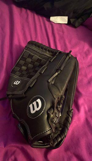 Wilson baseball gloves for Sale in Belle Isle, FL