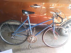 Schwinn 10-spred Me Tour bike, womens for Sale in Medina, OH