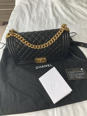 100% Authentic Chanel Black Calfskin Medium Boy Bag for Sale in Austin, TX