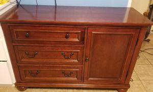 Changing Table Dresser Set for Sale in Menifee, CA