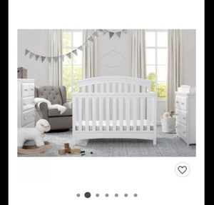 🌟🌟NEW DELTA 4 IN 1 CONVERTIBLE CRIB IN BOX LOOK🌟🌟 for Sale in Fontana, CA