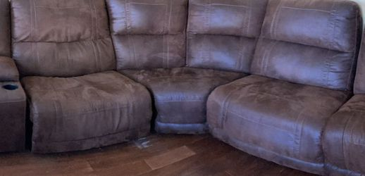 Couch/Sofa Reclining sectional for Sale in San Diego,  CA