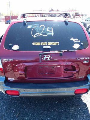 Parting out a 2004 Hyundai Santa Fe 3.5L for Sale in Detroit, MI