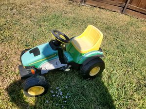 Kids riding tractor for Sale in Mansfield, TX