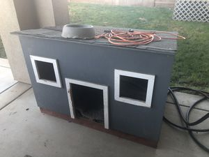 Dog house 4'x3'x3' for Sale in Acampo, CA