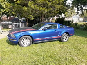 2006 ford mustang very nice. Cold ac for Sale in Columbus, OH