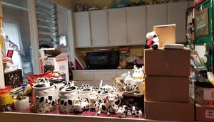 Cow Themed Goodies for kitchen & bathroom for Sale in Fort Belvoir, VA