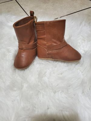 Baby girl winter boots 12-18 months for Sale in Las Vegas, NV