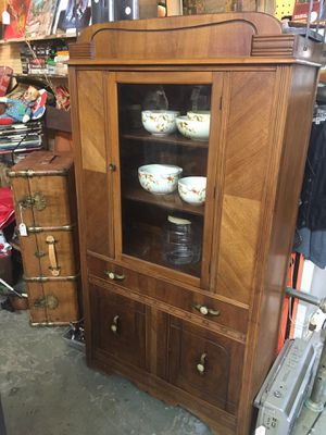 Deco china cabinet great condition for Sale in Las Vegas, NV