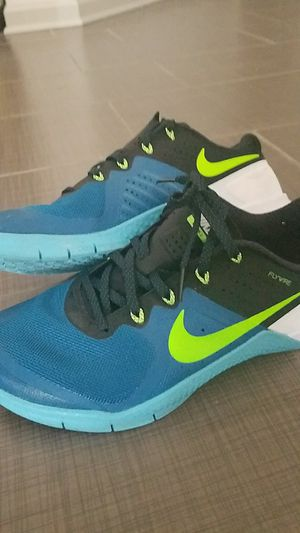 Nike metcon 2 gym shoes 8.5 /pick up for 25$ for Sale in Odenton, MD