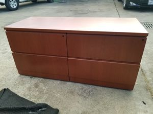4 drawer lateral file cabinet $125 (good condition) for Sale in Houston, TX