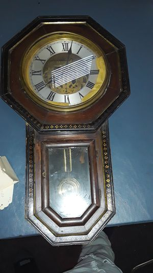 Old non working clock about 100 years old good for restoration for Sale in Chicago, IL
