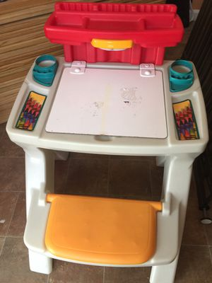 kids desk for Sale in Woodbridge, VA