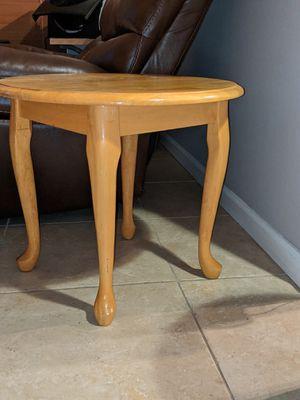 Oak end table for Sale in Riverview, FL