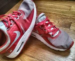 Good condition women sneakers shoes Air max nike red 7Y for Sale in Boston, MA