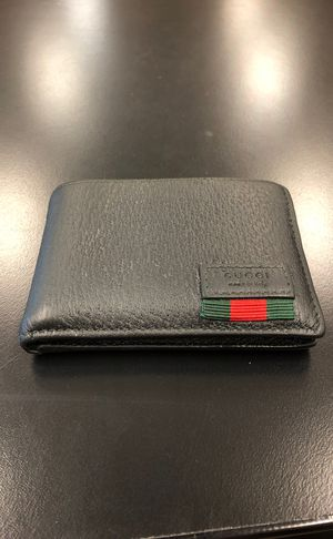 Gucci wallet for Sale in Westerville, OH