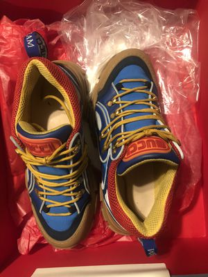 Gucci Flashtrek (Like New) for Sale in Fayetteville, NC