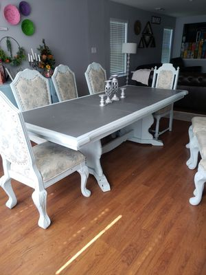 Dining table with 8 chairs for Sale in Houston, TX