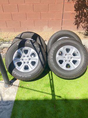 265/70 R17 Dunlop Tires . for Sale in Las Vegas, NV