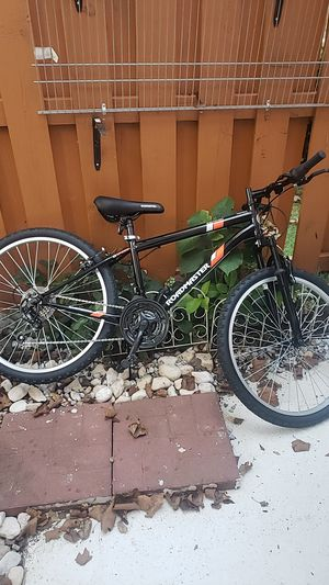 24 inch mountain bike for Sale in Silver Spring, MD