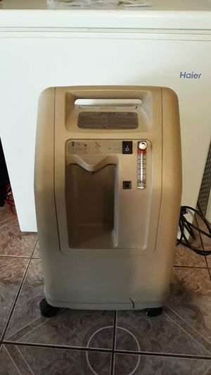 De VILBISS 5 Liter Oxygen Concentrator for Sale in Oakland, CA