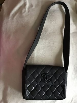 Authentic Vintage CHANEL Mini Black Quilted Leather Wide Strip Shoulder Bag for Sale in Spring, TX