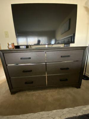Dresser mirror (Only) not dresser for Sale in Washington, DC