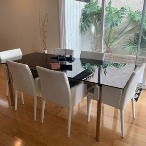 Dining Table With Chairs for Sale in San Diego, CA