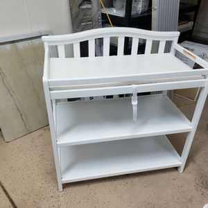 Baby Changing Table for Sale in Beaumont, CA
