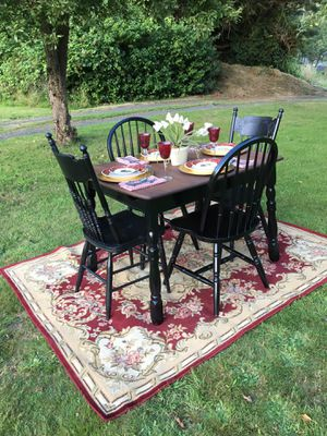 Updated Vintage Dining Table & Chairs Set w/ Built -in Leaf - Delivery Available for Sale in Poulsbo, WA