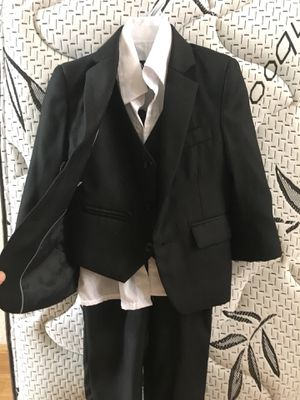 Kids suit black color size 2-T used one time for Sale in El Cajon, CA