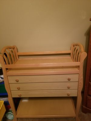 Changing table for Sale in Saint Paul, MN