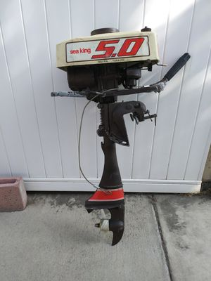 5 horsepower outboard motor runs great slightly used for Sale in Lakewood, CA