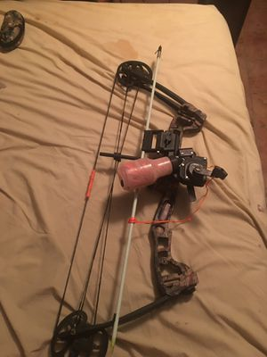 Bow fishing bow for Sale in New Bloomfield, MO