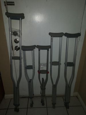 Adjustable crutches. ( muletas ajustables) for Sale in Farmers Branch, TX